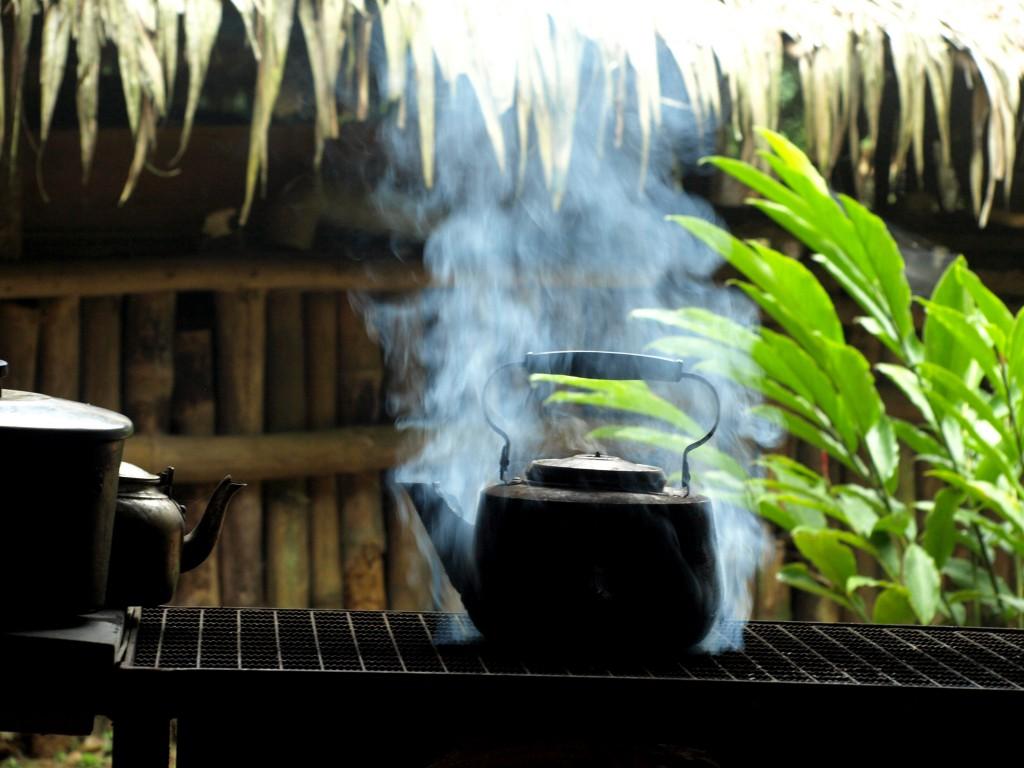 cafe caliente para el desayuno