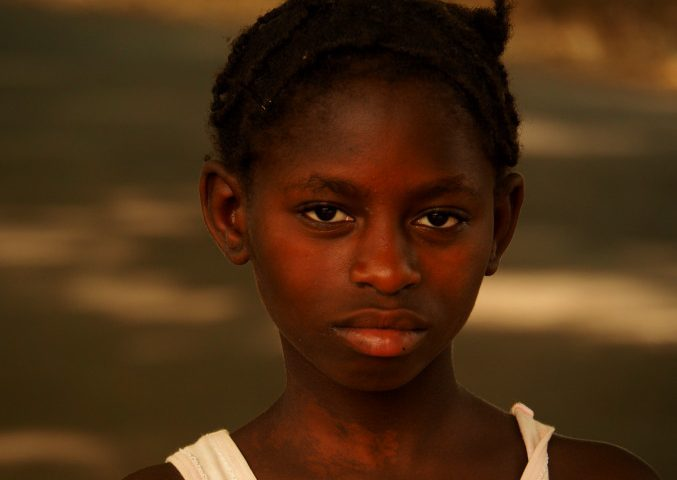 Chica en Bissau