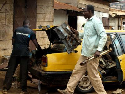 Barrio de los chatarreros en Yaounde