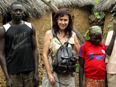 Familia en un poblado de Camerún