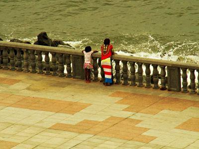En el paseo marítimo de Bata
