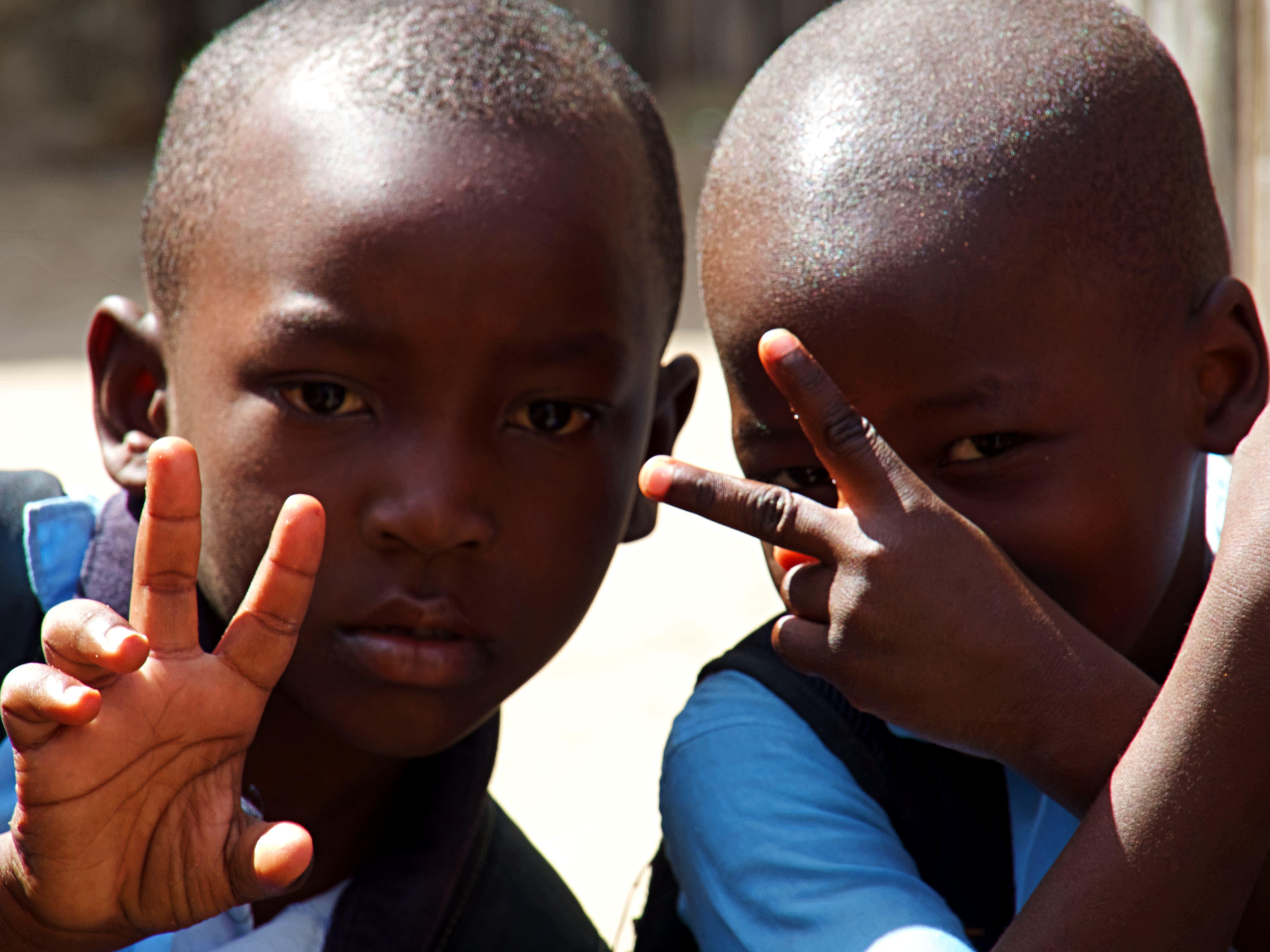 Dos niños de Pemba