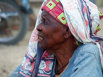 Anciana en Ibo