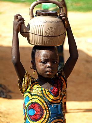 Niña trabajadora en Nigeria