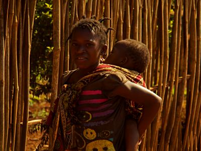 Una mama adolescente en Gurue