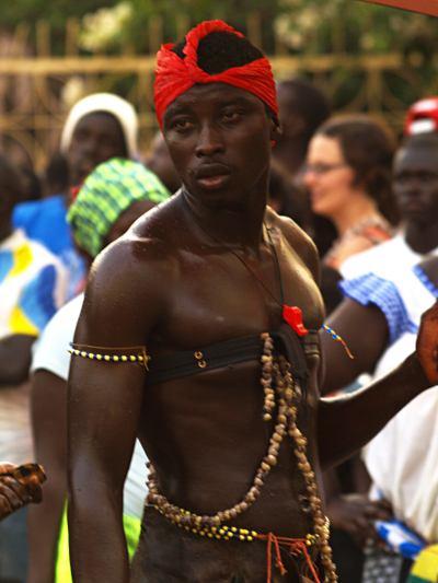 Un chico del Carnaval de Bissau