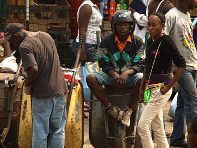 Brazzaville y los chicos del mercado