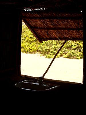 Desde el interior de una cabaña de Baloom