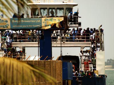Barcaza Banjul