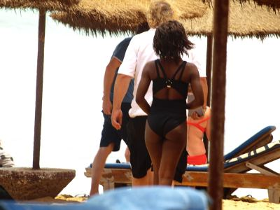 Pareja en playa de Gambia