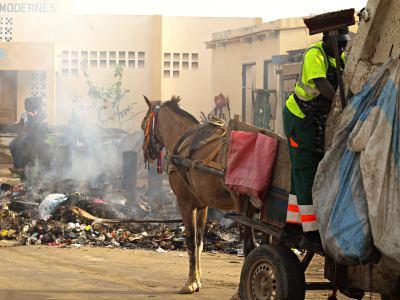 El camion de la basura en Ngor Dakar