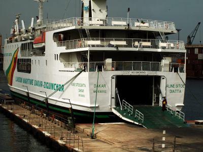 El barco que sustituye al Yola Dakar Zinguinchor