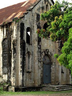 La iglesia colonial de Karabane
