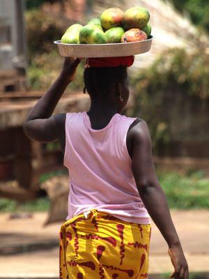 Una chica por Bissau