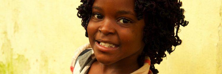 Una niña de Guinea Ecuatorial