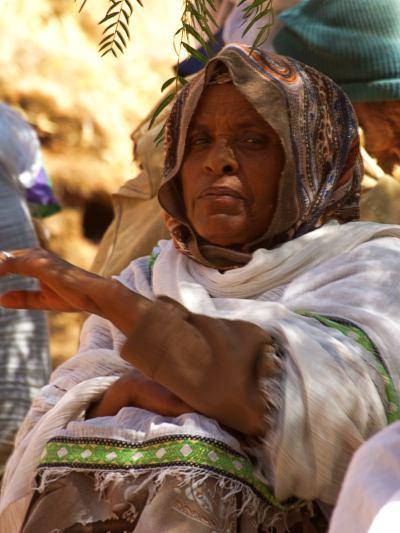 Una mujer me mira en LaLibela