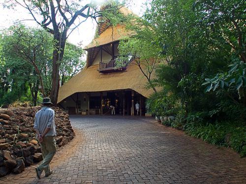Nuestro nuevo lodge frente al Zambeze