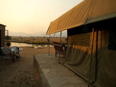Preparados para la hora bruja ante el Zambeze