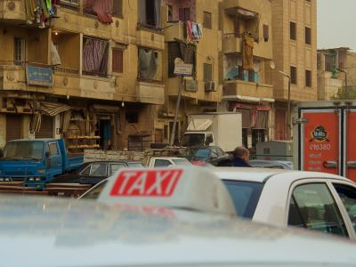 Un taxi en una calle de El Cairo