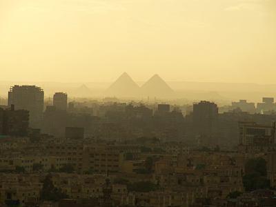 Las pirámides de Giza en el Cairo desde La Ciudadela