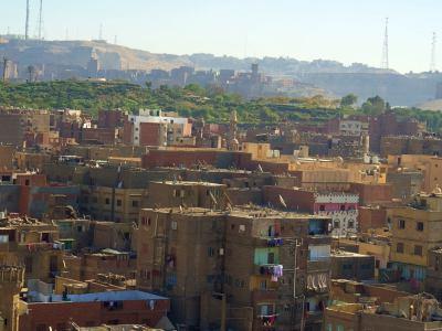 Una vista de la ciudad de la basura en El Cairo