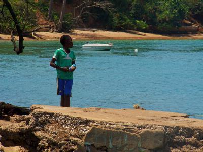 Un chico en la Isla de Bubaque
