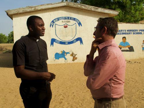 El padre Paul Uchebo en Maiduguri