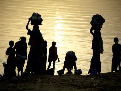 Mujeres en las orillas del lago Chad