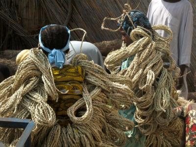 Dos mercaderes en la isla de Kofia en el Lago Chad