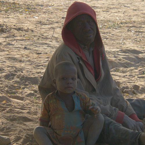 Abuelo y nieto en Maiduguri