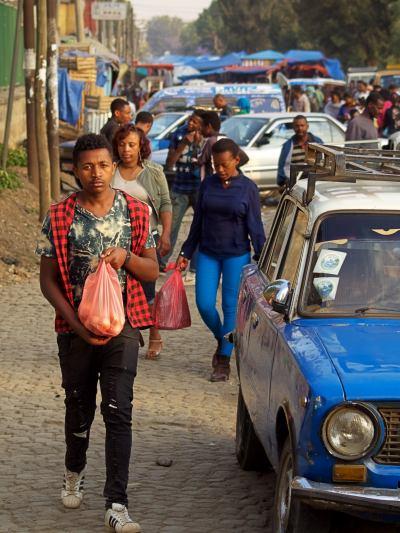 otra calle de Addis Abeba