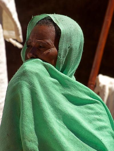 Una mujer etiope durante una celebración religiosa