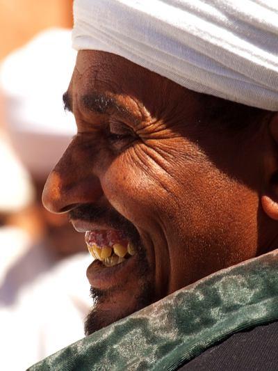 Un hombre etiope durante una reunión