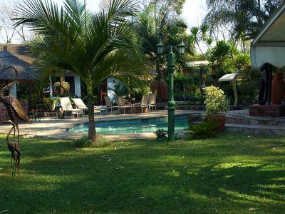 La piscina del Hotel Sunshine en Harare