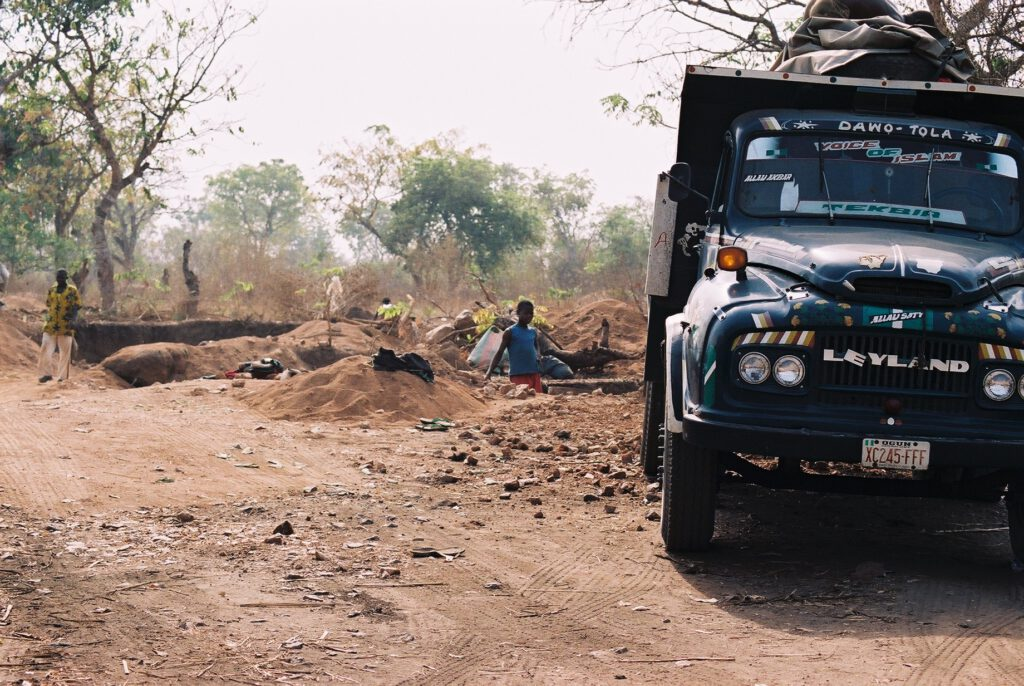 Los caminos para llegar a las canteras de Abeokuta