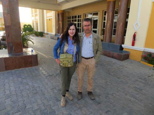 A la entrada del Hotel Pinacle en Maiduguri