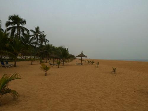 La playa de la Casa del Papa en Oudja (Benin)