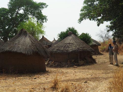 Chozas de un pueblo taneka en la República de Benin