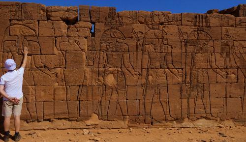 Relieves de Apedemak en el Templo de Apedemak o del León en Naga (Sudán)
