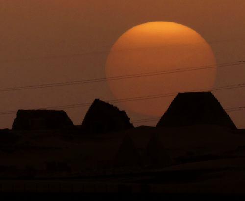 Atardecer en las Pirámides de Meroe (Sudán)